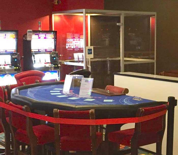 photo SYCLOP - Le casino Vikings des Sables d'Olonne installe une cabine fumeurs 4E