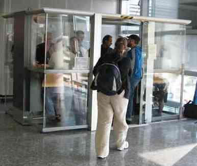 photo SYCLOP - Le syndrome de Francfort ou la tragédie des fumeurs dans les aéroports