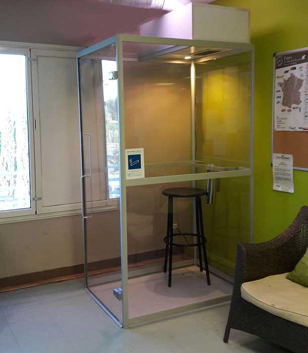 photo SYCLOP - L'Intermarché de Montpellier installe un fumoir pour son personnel